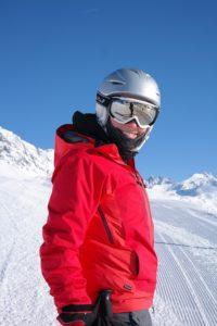 https://pixabay.com/en/skier-skiing-ski-run-ski-snow-999188/